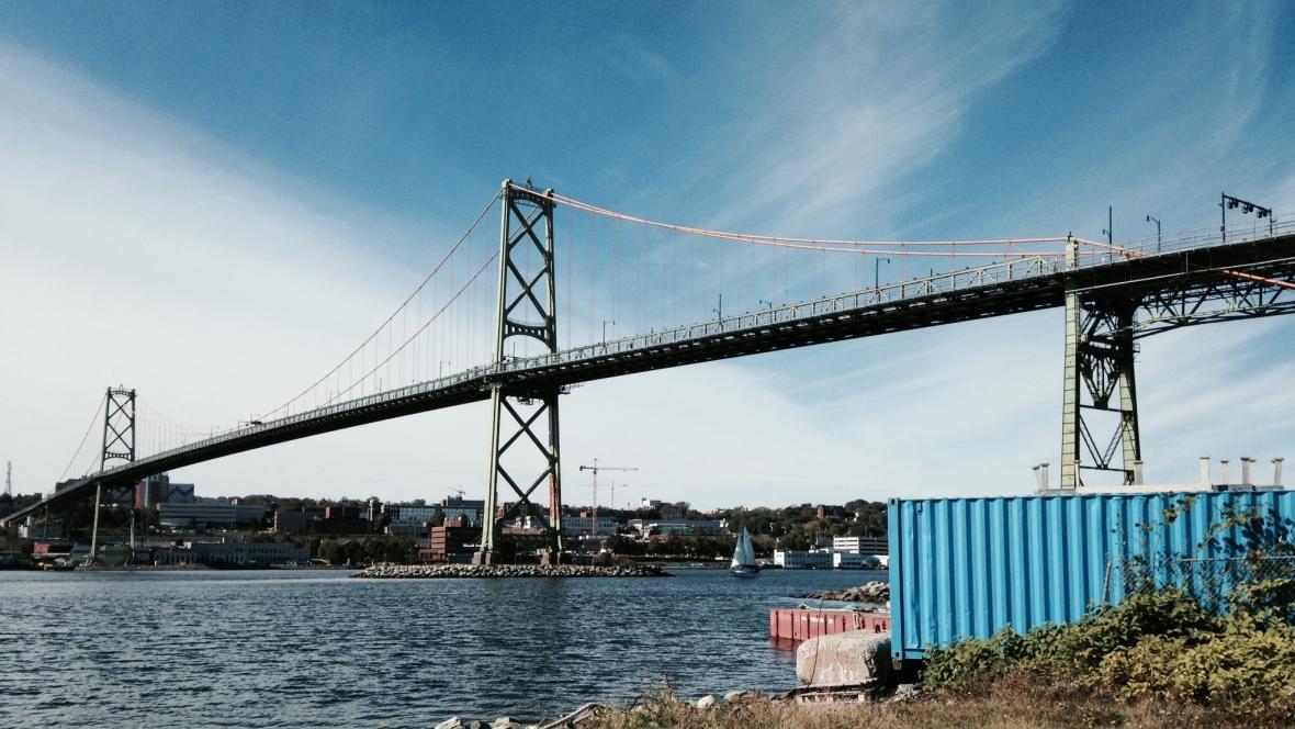 macdonald-bridge-in-halifax-and-dartmouth (1)